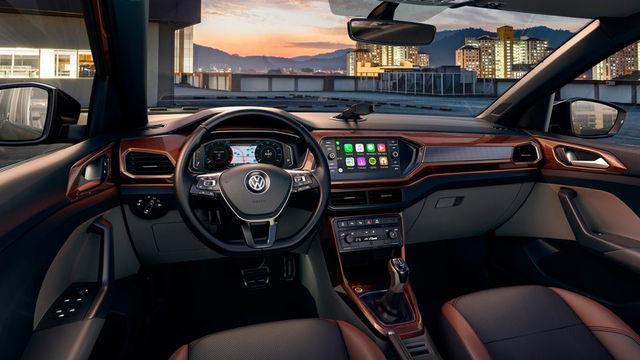 T-Cross - Coberturas para o painel integram o estilo jovial e completam o interior do veículo