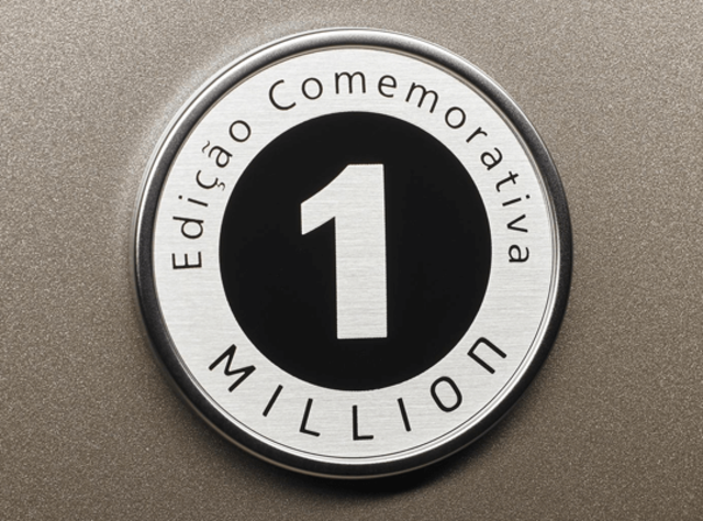 HB20S 1 Million - EMBLEMA EXCLUSIVO EDIÇÃO COMEMORATIVA 1 MILLION