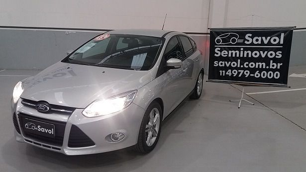 Ford Focus SE 2.0 PowerShift Prata 2015}