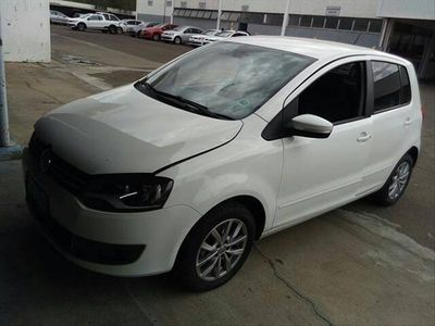 Volkswagen Fox 1.0 8V (Flex) 2014}