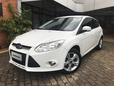Ford Focus Hatch SE 1.6 16V TiVCT 2014}
