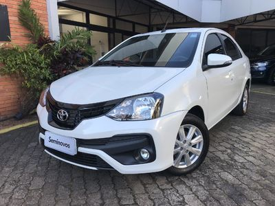 Toyota Etios Sedan X Plus 1.5 2019}