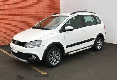 Volkswagen Space Cross 1.6 MI 8V FLEX 4P MANUAL 2013}