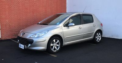 Peugeot 307 Hatch. Presence Pack 1.6 16V (flex) 2011}