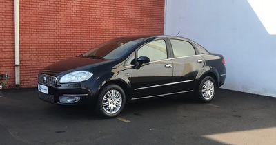 Fiat Linea HLX 1.8 16V(Flex) 2011}