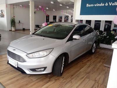 Ford Focus Sedan 2.0 Titanium (Aut) 2016}