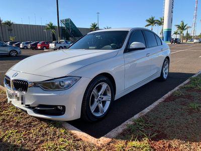 BMW 320i 2.0 Turbo Active (Aut) 2015}