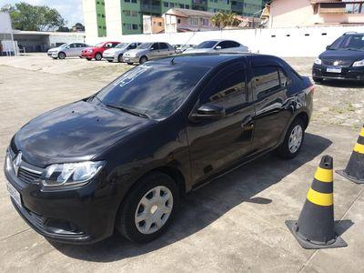 Renault Logan Expression 1.6 8v (Flex) 2014}