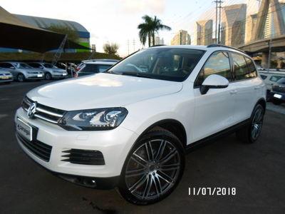 Volkswagen Touareg 3.6 V6 FSI 4WD 2014}