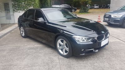 BMW 320i Sport 2.0 Turbo Active (Aut) 2015}
