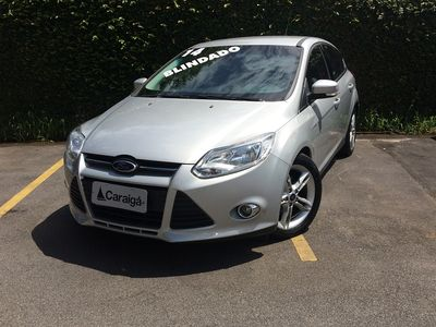 Ford Focus Hatch  SE 2.0 AT 2014}
