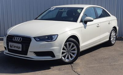Audi A3 Sedan 1.4 TFSI S tronic Attraction 2015}