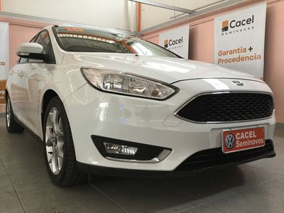 Ford Focus Hatch SE 2.0 PowerShift 2016}