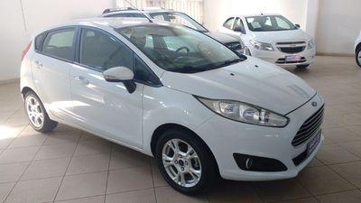 Ford New Fiesta Hatch 1.6 SE PowerShift 2015}