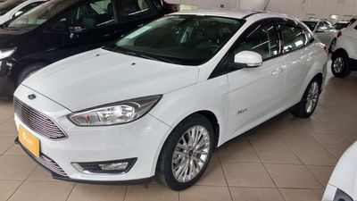 Ford Focus Fastback SE 2.0 AT 2016}