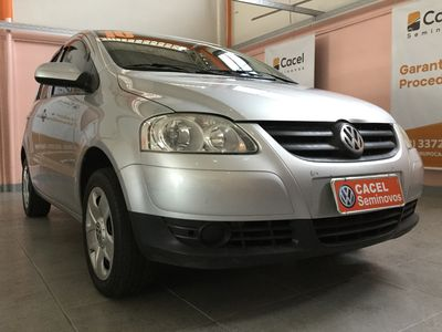 Volkswagen Fox Trend 1.0 Mi 8V Total Flex 4p 2010}