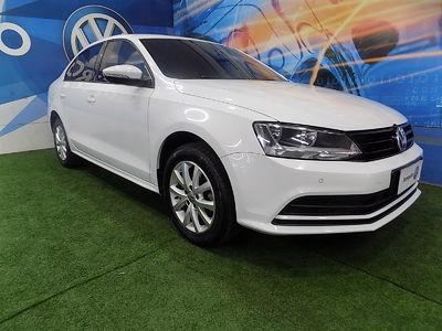 Volkswagen Jetta Trendline 2.0 2015}