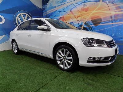 Volkswagen Passat 2.0 TSI DSG 2012}