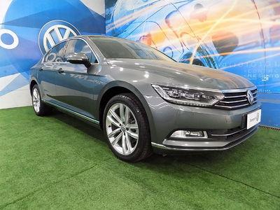 Volkswagen Passat 2.0 TSI 2017}
