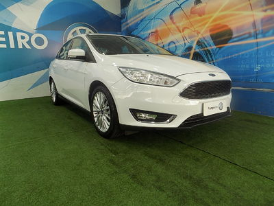 Ford Focus Sedan SE 2.0 (Aut) 2018}