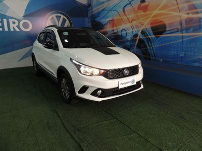 Fiat Argo Treking 1.8 2020}