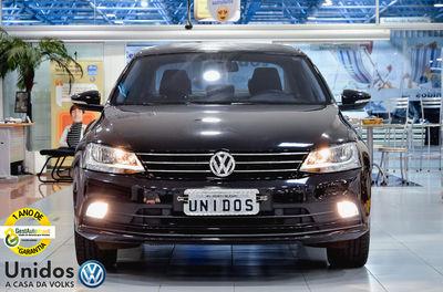Volkswagen Jetta Highline 2.0 TSI DSG 2016}