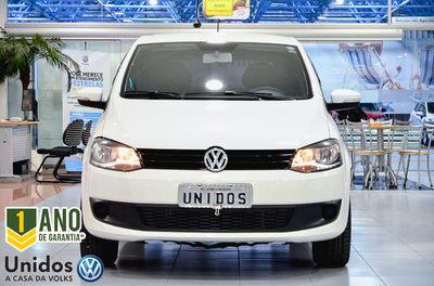 Volkswagen Fox 1.0 Mi 8V Total Flex 4p 2014}