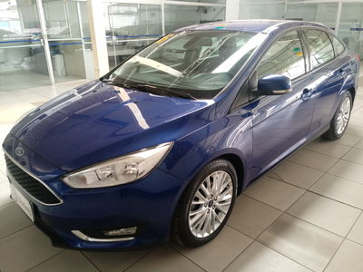 Ford Focus Sedan SE 2.0 (Aut) 2016}