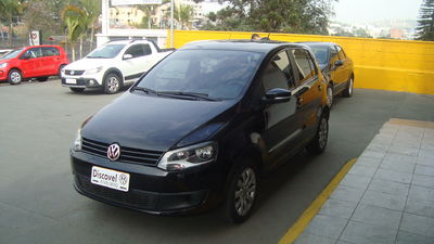 Volkswagen Fox 1.0 8V (Flex) 4p 2014}