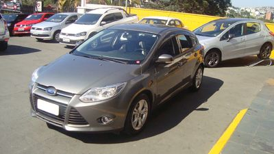 Ford Focus Hatch SE 1.6 2015}