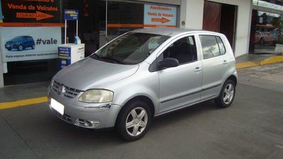 Volkswagen Fox Plus 1.6 8V (Flex) 2005}