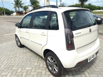 Fiat Idea Essence 1.6 16V E.TorQ Dualogic 2015}