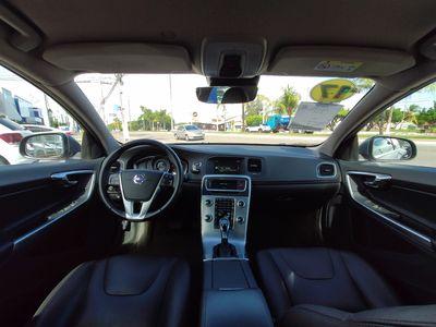 Volvo S60 2.0 T4 Kinetic 2017}