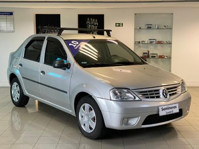 Renault Logan Expression 1.6 8v (Flex) 2010}