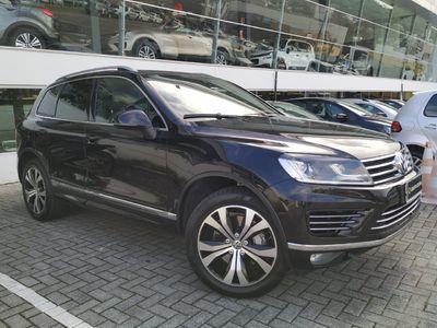 Volkswagen Touareg V8 FSI R-Line 2015}