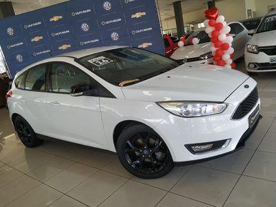 Ford Focus Hatch  SE 2.0 AT 2016}