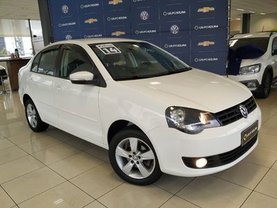 Volkswagen Polo Sedan 1.6 8V (Flex) 2014}