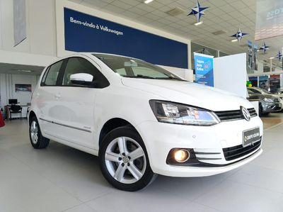 Volkswagen Fox Highline 1.6 MSI (Flex) 2016}