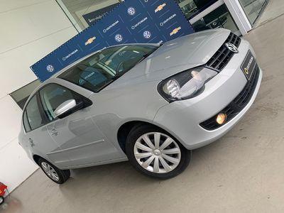 Volkswagen Polo Sedan Comfortline 1.6 8V (Flex) 2012}