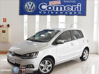 Volkswagen Fox 1.6 VHT Highline I-Motion (Aut) (Flex) 2016}
