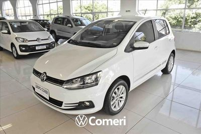 Volkswagen Fox Connect 2020}