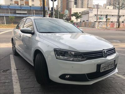 Volkswagen Jetta Highline 2.0 TSI (Aut) 2014}