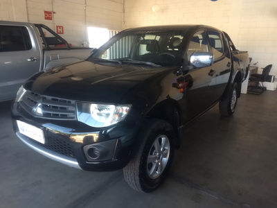 Mitsubishi L200 3.2 HPE 4X4 CD 16V TURBO INTERCOOLER DIESEL 4P MANUAL 2013}