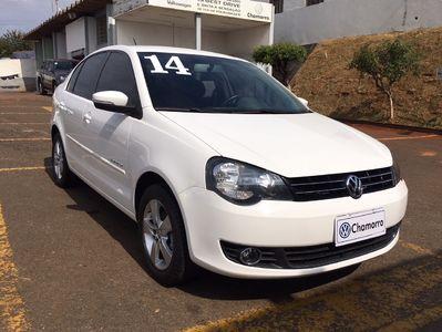 Volkswagen Polo Sedan Comfortline 1.6 8V (Flex) 2014}