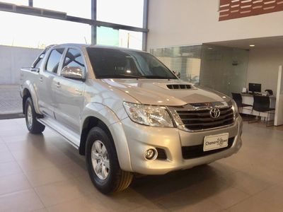 Toyota Hilux Cabine Dupla SRV M/T 3.0L 4x4 Diesel 2014}