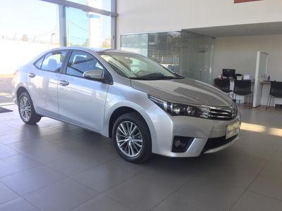 Toyota Corolla 1.8 GLi Automático Tecido Flex 2017}
