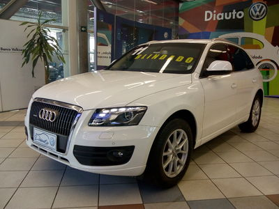 Audi Q5 Attraction 2.0 TFSi  2011}