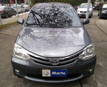Toyota Etios Hatch Etios XLS 1.5 (Flex) 2013}