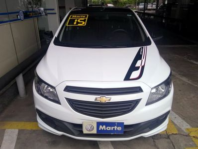 Chevrolet Onix 1.4 Effect 8V Flex 4p 2015}