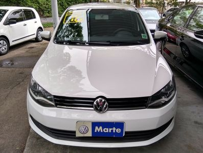 Volkswagen Voyage Comfortline 1.6 I-MOTION 2016}